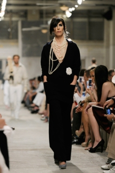 chanel-cruise-2013-14-looks-of-the-show-03