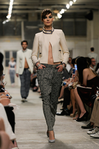 chanel-cruise-2013-14-looks-of-the-show-07