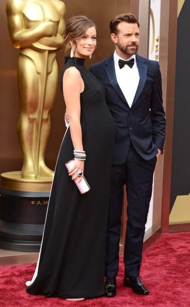 Olivia Wilde by Valentino Una excelente forma de vestirse para una gala estando embarazadísima.
