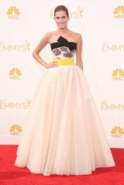 Emmy Awards - Allison Williams by Giambattista Valli