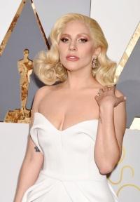 Pelo 2016 - Lady Gaga
